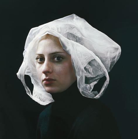 Het meisje met de plastic zak. Lezingen Beika ART